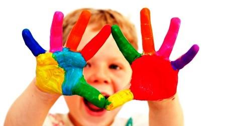Foto de niño con autismo