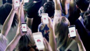 foto de adolescente con celulares