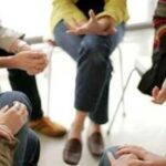 imagen de un grupo en terapia