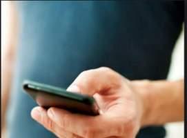 foto de una persona llamando por telefono