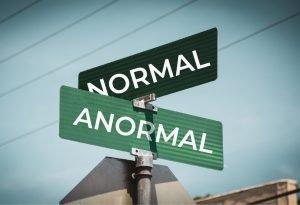 Normal Anormal - Cartel de calle