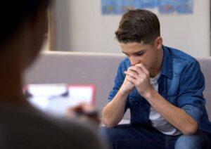 Deprimido - Joven en terapia