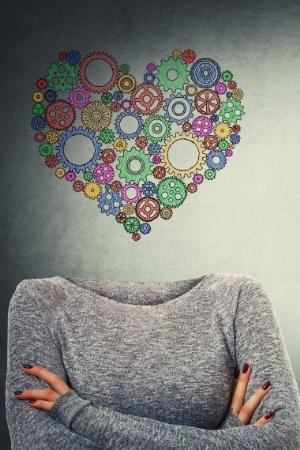mujer con conciencia emocional