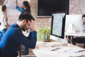 Distimia - Hombre en el trabajo