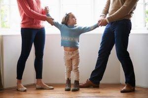 Divorcio - Padres peleando por su hija