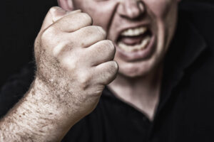 Personalidad antisocial - Hombre agresivo