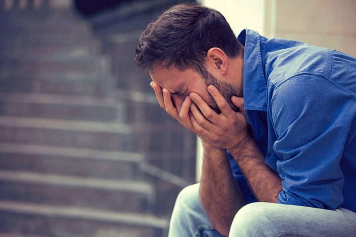 Trastorno adaptativo - Hombre con ansiedad