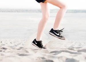 Migraña emocional - Mujer haciendo ejercicio