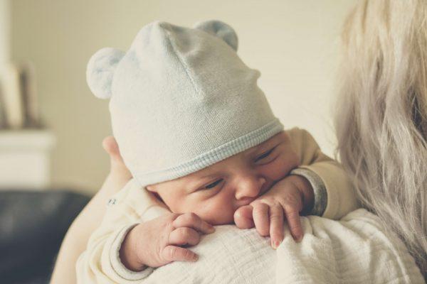 Teoría del apego - Bebé con madre