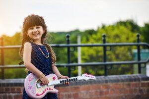 Música - Niña y guitarra