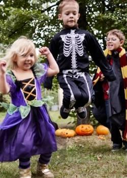 niños festejando halloween